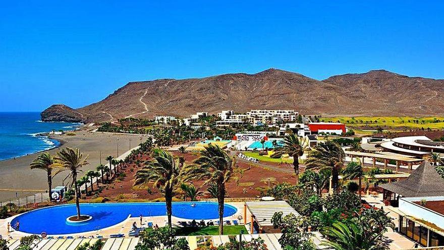 El complejo Playitas Resort abre sus puertas tras la reducción de casos de Covid