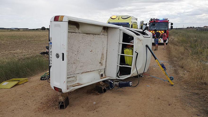 Un fallecido y tres heridos en una colisión frontal entre dos turismos en El Cotanillo (Valladolid)