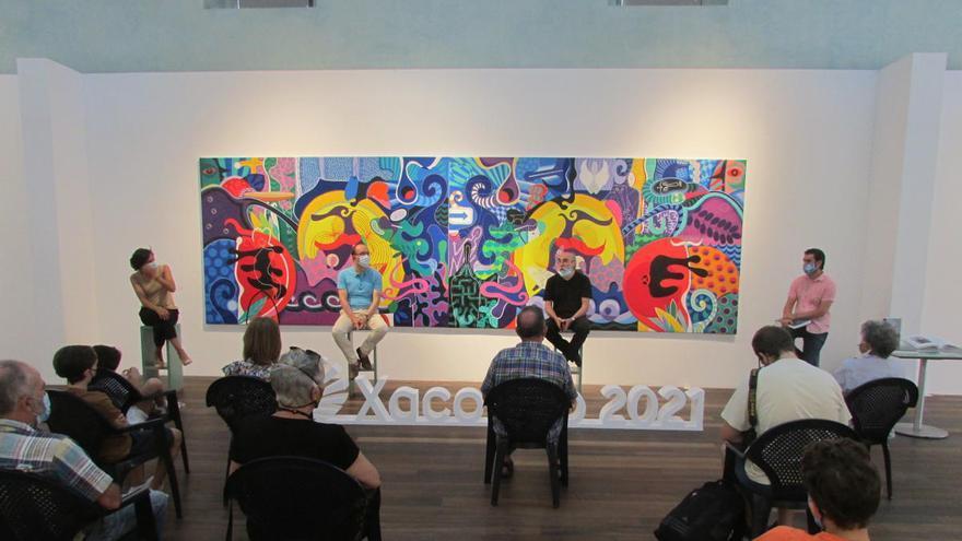 El artista Nelson Villalobos presenta el libro 'Blanquísima su presencia' en el Museo del Mar de Vigo