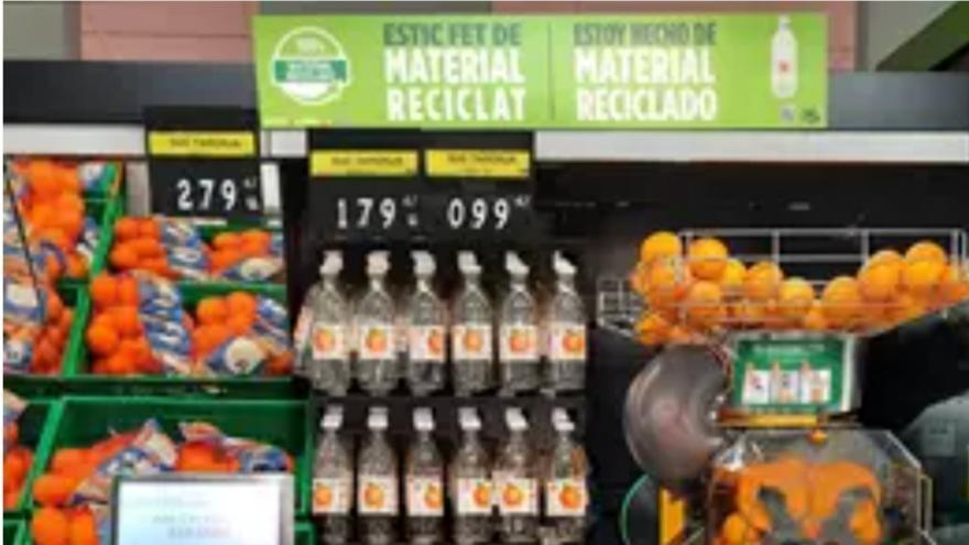 Mercadona evita utilizar 700 toneladas de plástico virgen anuales con una nueva botella de zumo