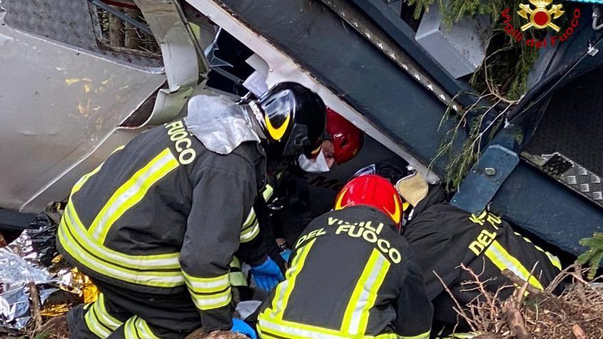 Tres detenidos por la caída del teleférico que provocó 14 muertes en Italia