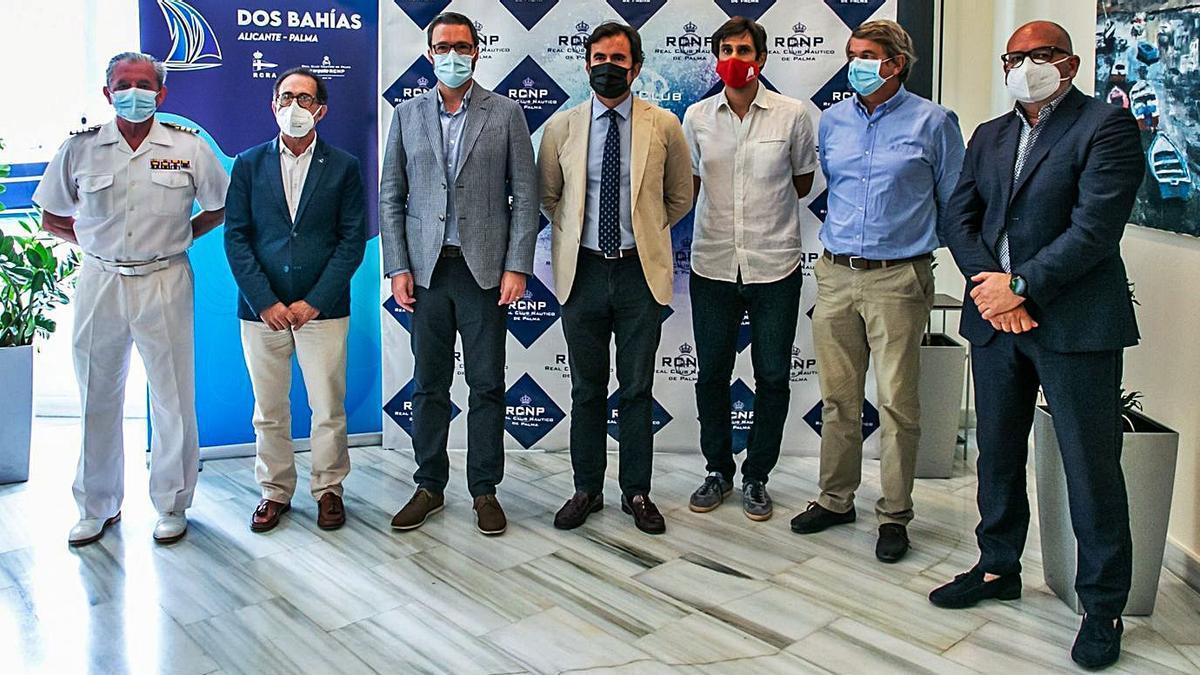 Dámaso Berenguer, Emerico Fuster, José Hila, Miguel López, Carles Gonyalons, Jorge Forteza y Juan Luis Díaz, ayer.  | LAURA G. GUERRA