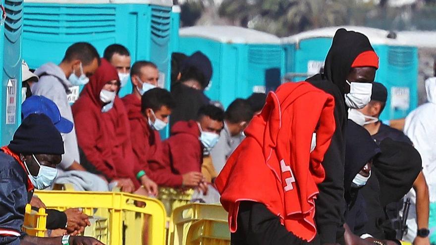 La Policía prevé un flujo de 140.000 inmigrantes al año hacia Canarias
