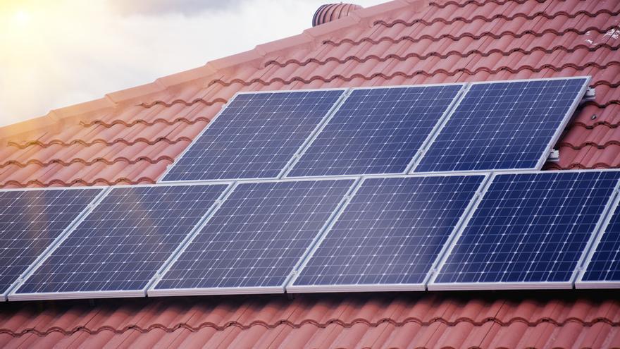 Placas solares para tu tejado, el fichaje del verano