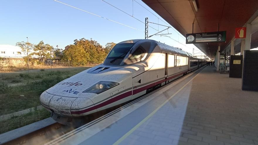 Un tren en pruebas realiza el viaje Zamora-Madrid en 55 minutos