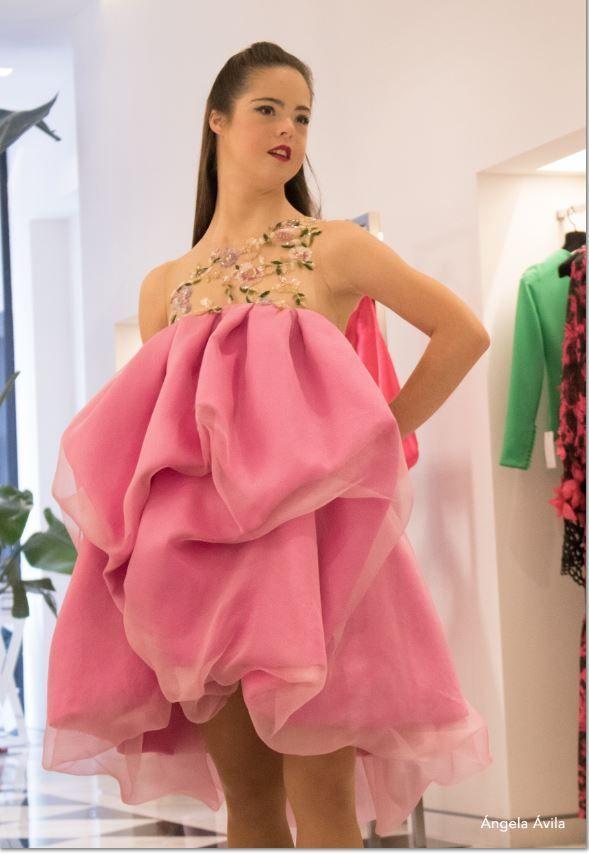 La modelo, con un diseño de Hannibal Laguna