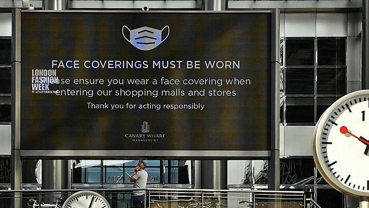Acceso a un centro comercial en Canary Wharf, en Londres.