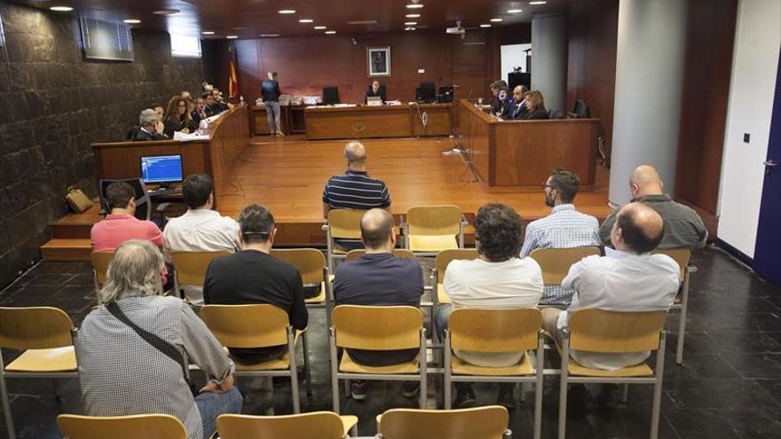 El juzgado de Cáceres ordena que se inhabilite a los hosteleros pero no que entren en la cárcel