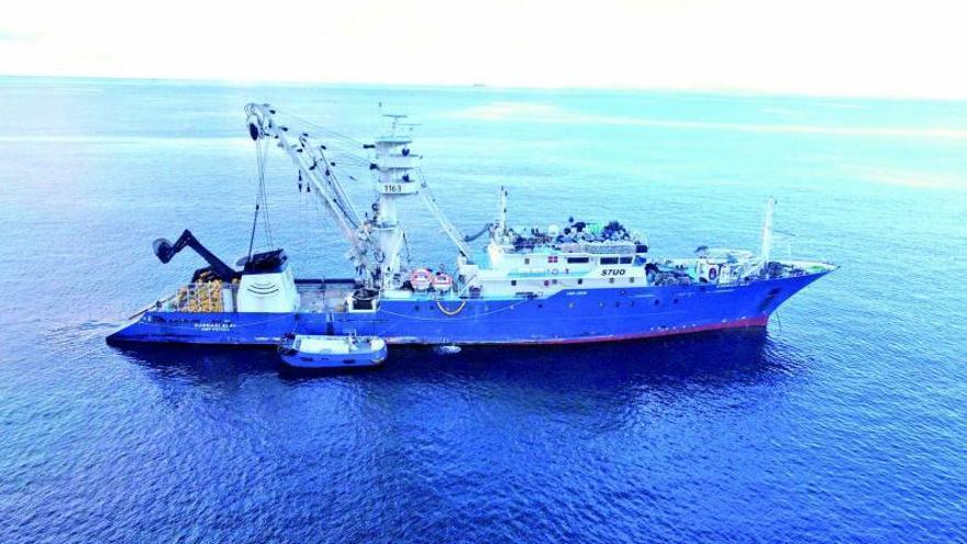 Seychelles se adelanta a España y vacuna a los tripulantes gallegos de la flota atunera
