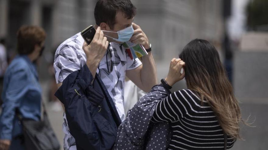 Castilla y León demanda criterios médicos y consenso para el fin de las mascarillas