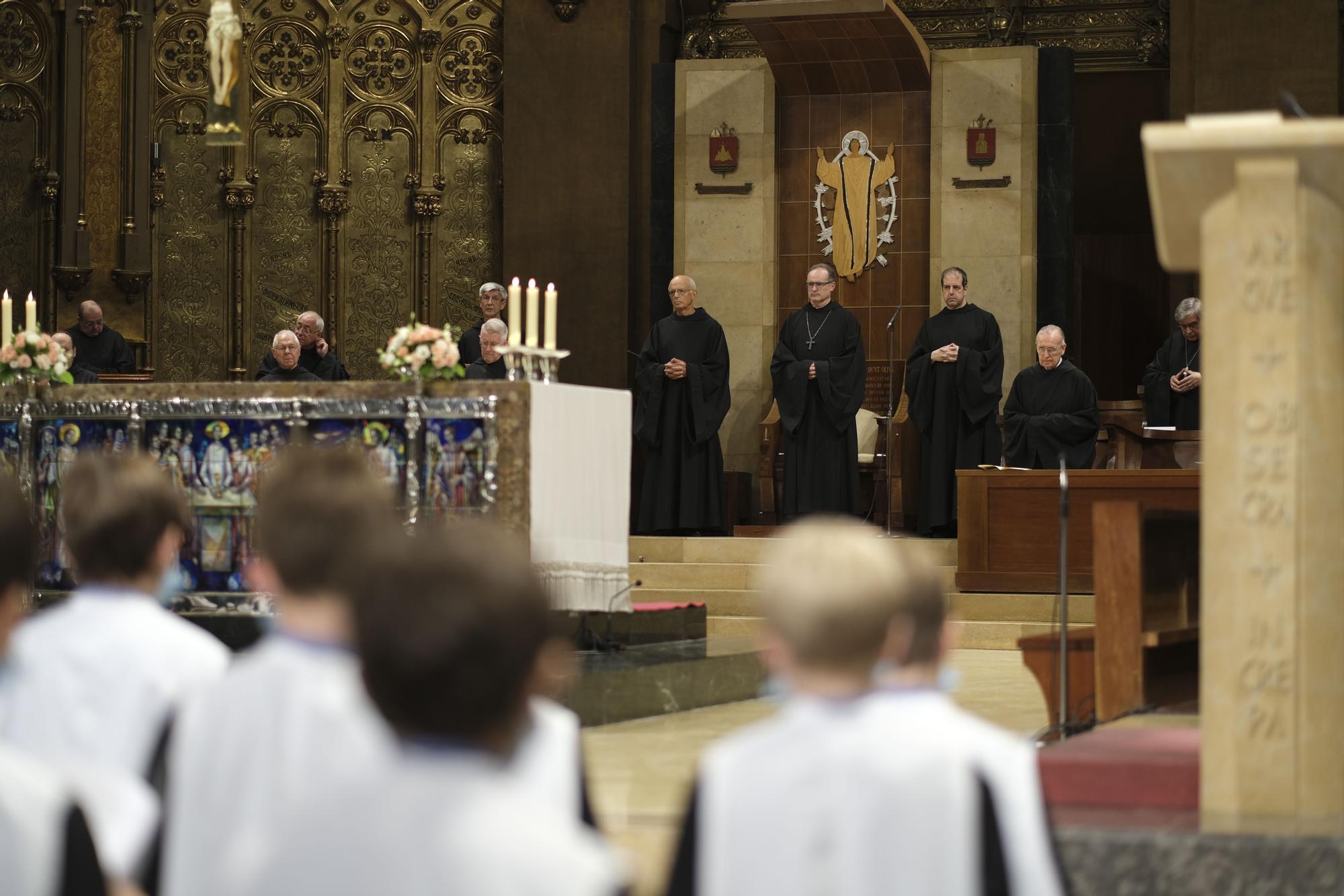 El nou abat de Montserrat s'estrena a la celebració de vespres