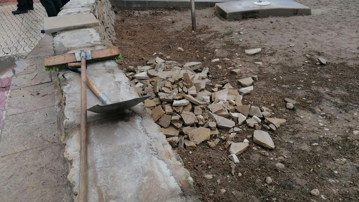 El Campello recupera la zona afectada por los daños de la manga marina