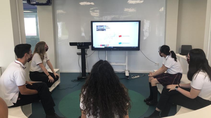 Alumnos de un instituto de Benidorm semifinalistas del concurso de conocimientos financieros del Banco de España