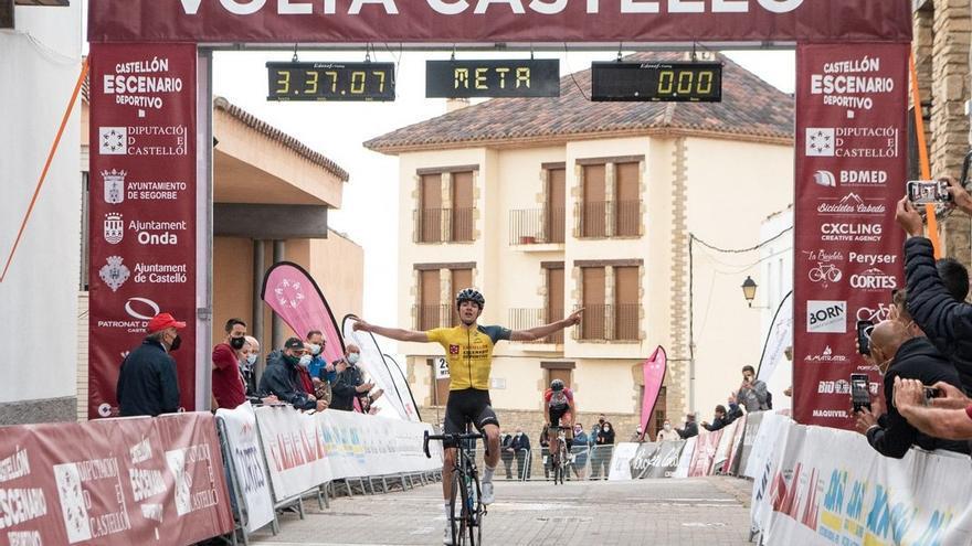 Igor Arrieta vence en Vistabella y sentencia la Volta a Castelló