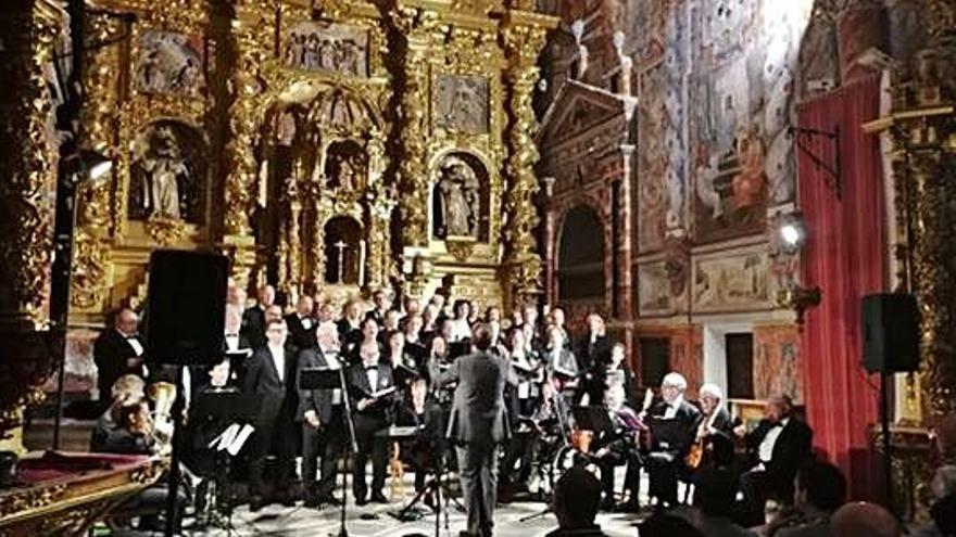 """""""La Mayor"""" rememora con su música a López Cobos"""