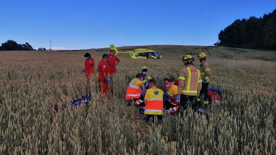 Un parapentista resulta ferit en un accident a Lladurs