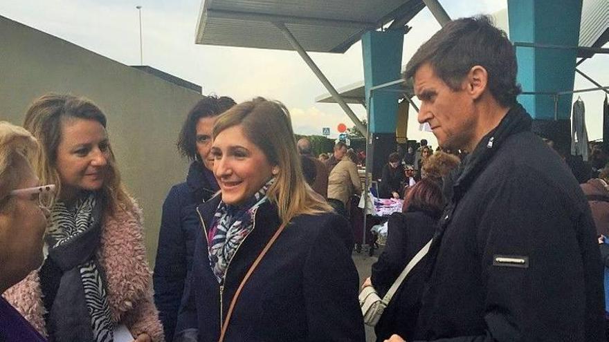 Los candidatos del PP visitan los mercados de Castellón y Peñíscola