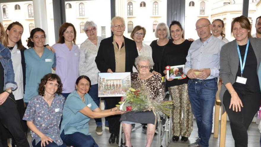 L'Ajuntament de Manresa homenatja Marina Sarri Armengol pel seu centenari