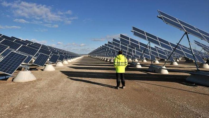 Empieza la construcción de la primera fotovoltaica de Plasencia