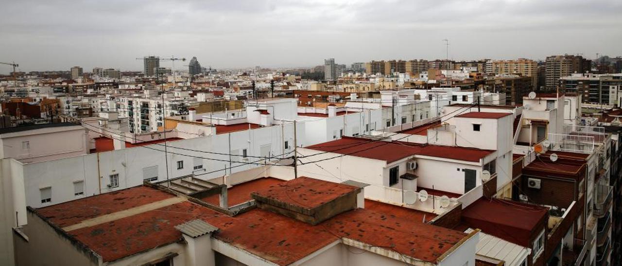 Los gases contaminantes bajan en València pero se estancan las peligrosas micropartículas