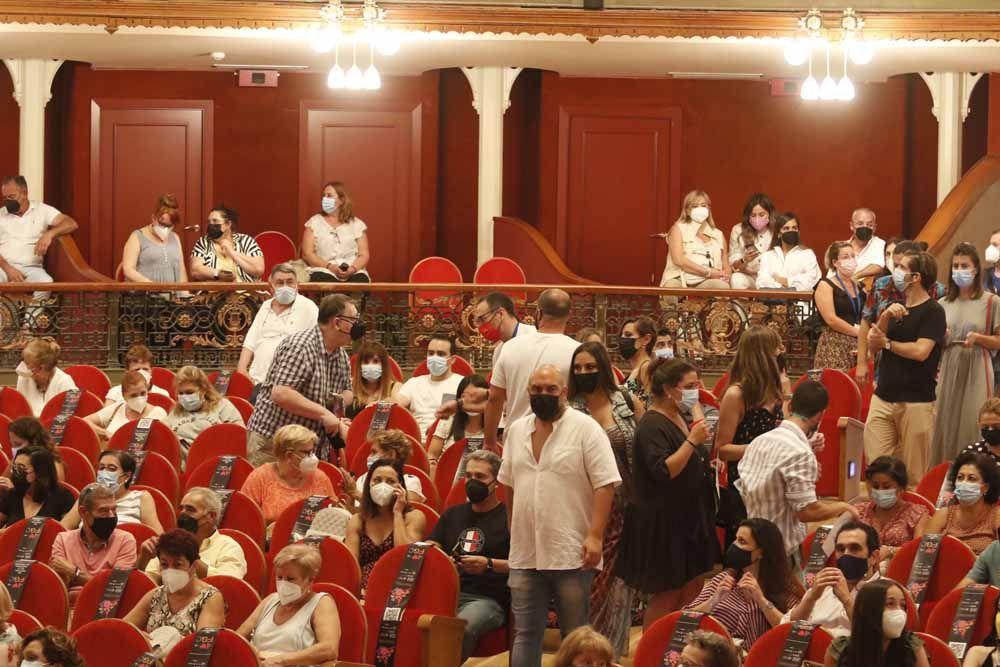 Publico en el interior del Gran Teatro