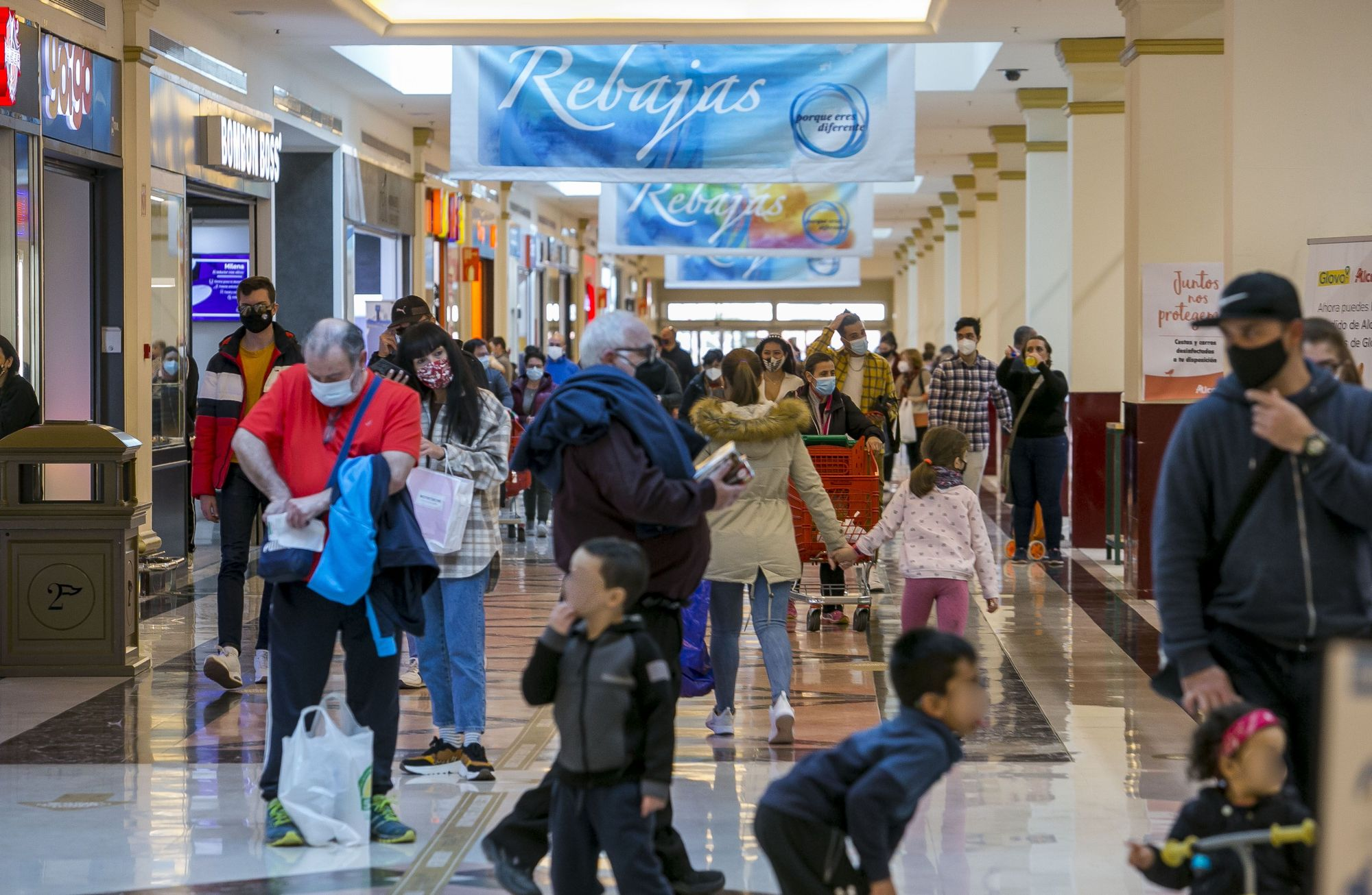 Así están los centros comerciales de Alicante este fin de semana