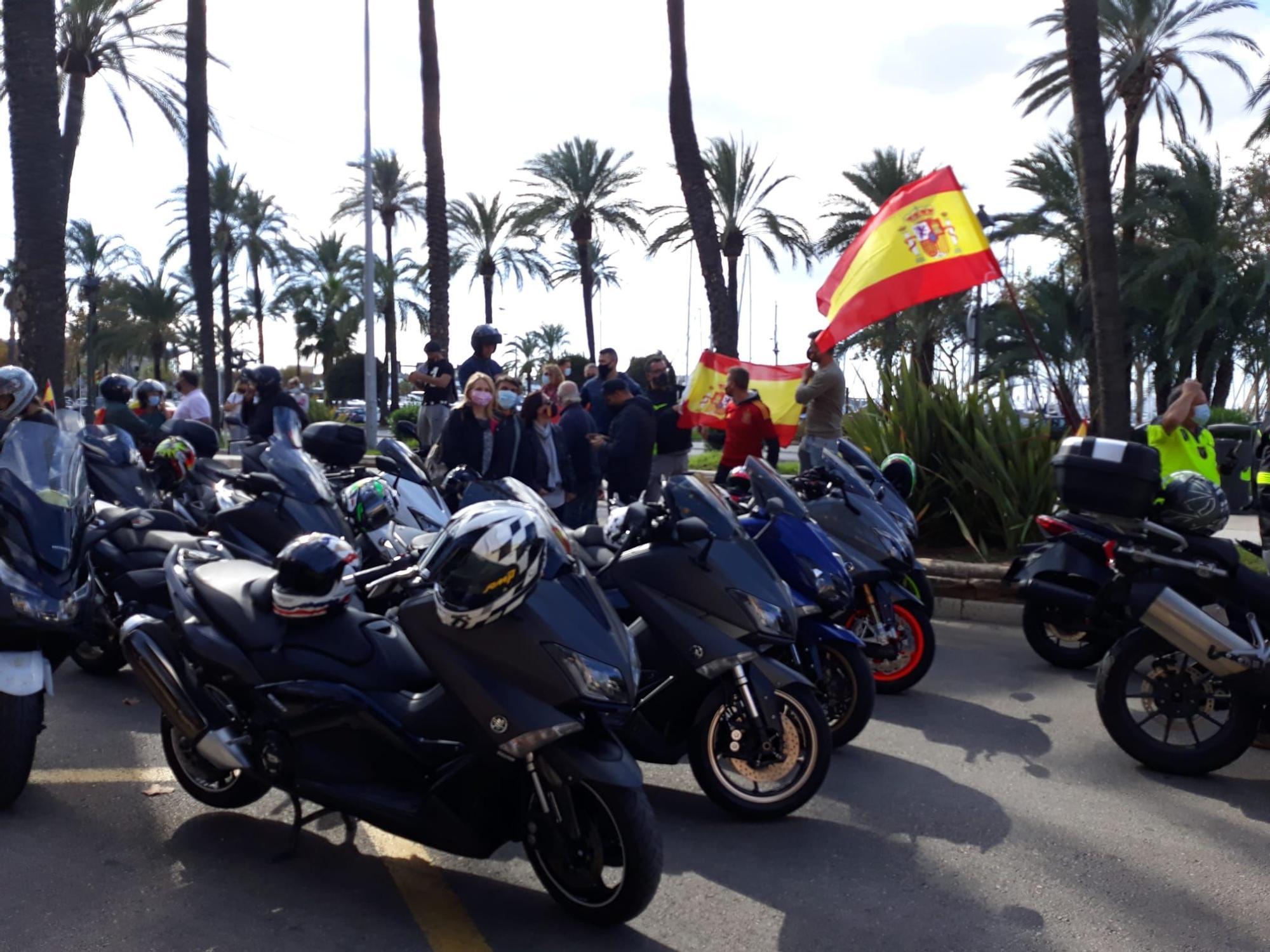 Masiva manifestación en Palma a favor de la unidad nacional