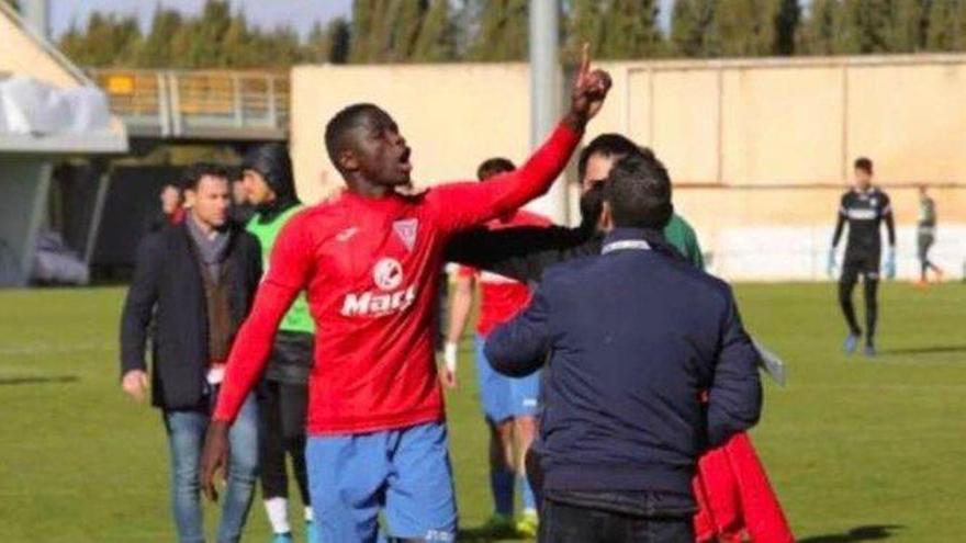 Denunciados insultos racistas por parte de la afición del filial del Albacete a un jugador rival