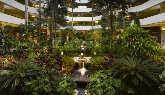 Lobby y Jardines