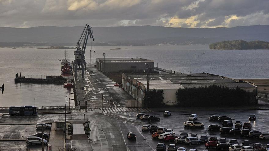 """Tourís espera cerrar un año """"histórico"""" de tráficos en el puerto de Vilagarcía y retomar los cruceros en 2023"""
