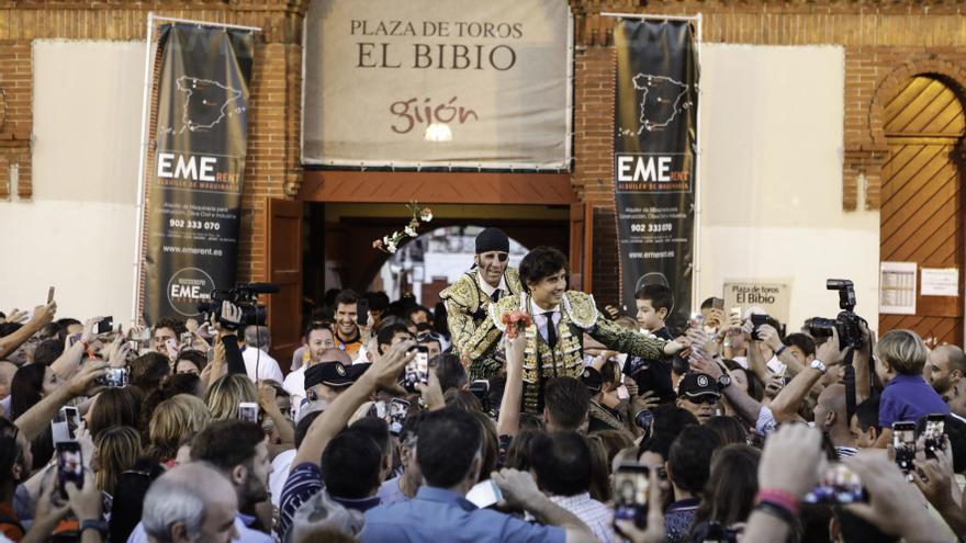 Zúñiga pone el 1 de julio como límite para presentar los carteles de la Feria