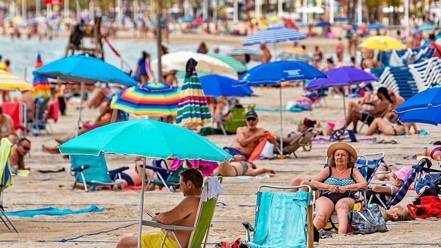 Climatología prevé un verano muy caluroso sin máximas extremas pero con muchas noches tropicales