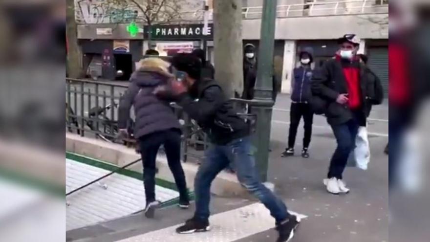 Deportan a un español por empujar a una mujer por las escaleras del metro de París
