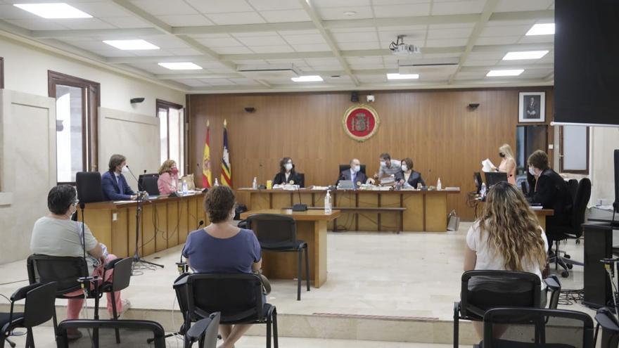 Condenadas las responsables de una agencia de viajes en Balears por falsificar certificados de residencia