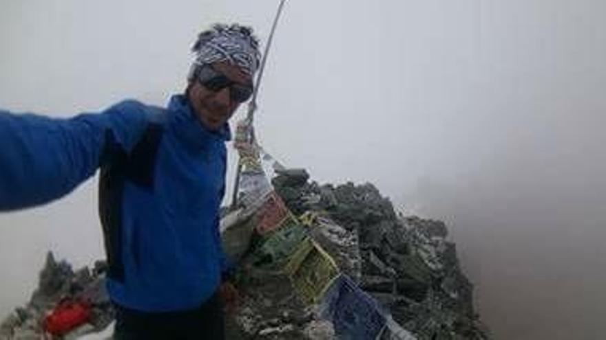 Kilian Jornet ajorna el somni de conquerir l'Everest