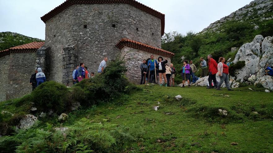 Oviedo suma la Ruta de las Reliquias al Xacobeo y planea una carrera de la Catedral al Monsacro