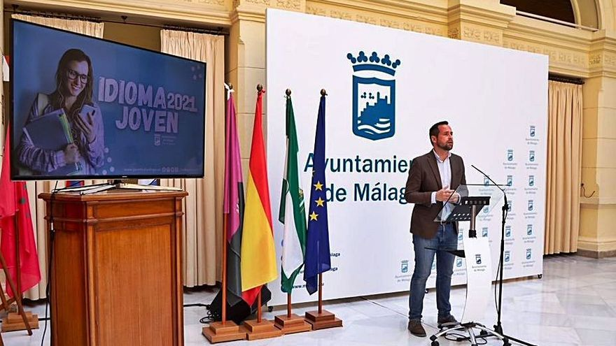 Málaga da ayudas a más de 300 jóvenes para certificar idiomas