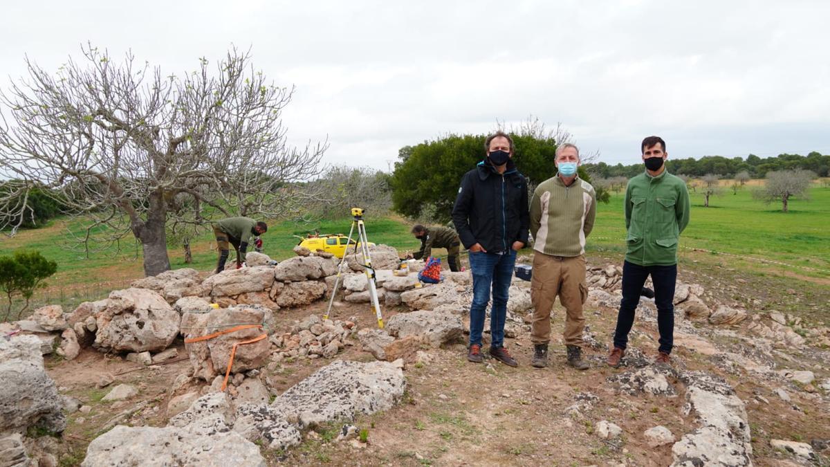 Llorenç Mas y Joan Ramon han visitado hoy las tareas que se ejecutan en Es Figueral.