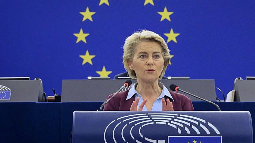 L'Eurocambra pressiona Von der Leyen perquè actuï contra Hongria
