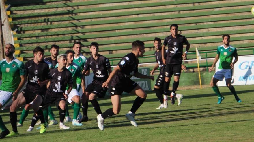 Un lance del partido disputado este sábado en Cáceres