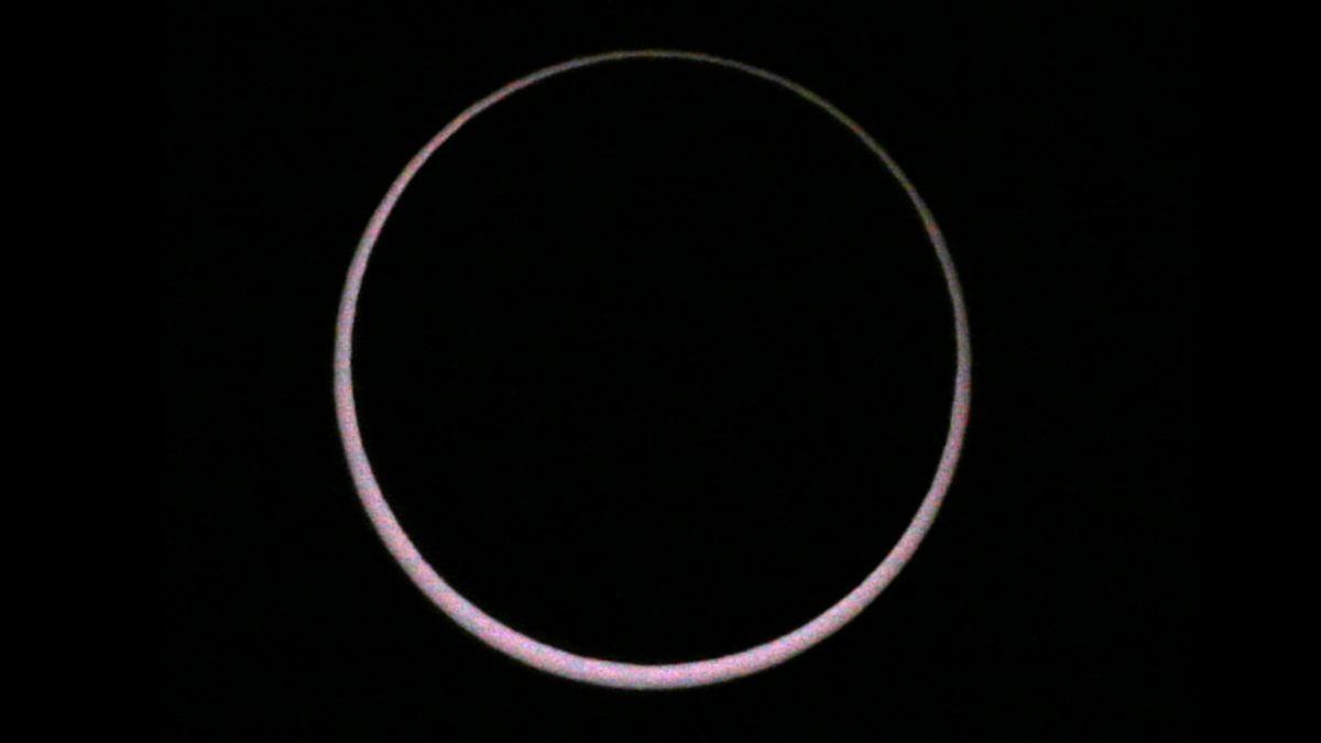 Eclipsi anul·lar de sol vist des de Santiago de Compostel·la