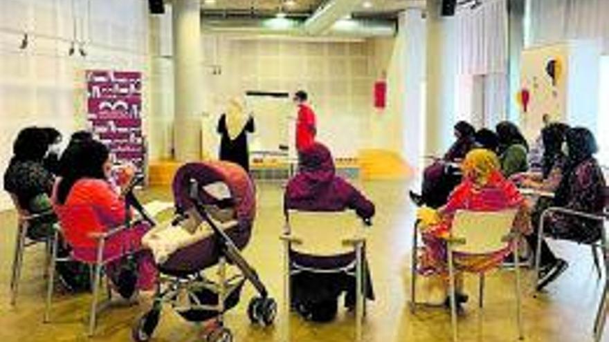 Comencen els cursos d'alfabetització per a persones nouvingudes a Sant Fruitós