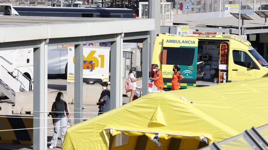 118 jóvenes del macrobrote de Mallorca desembarcan en València rumbo a sus casas
