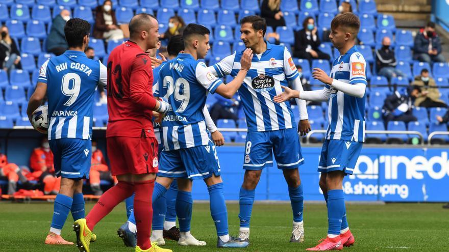 El Dépor se lleva el Teresa Herrera al golear al combinado de modestos de A Coruña