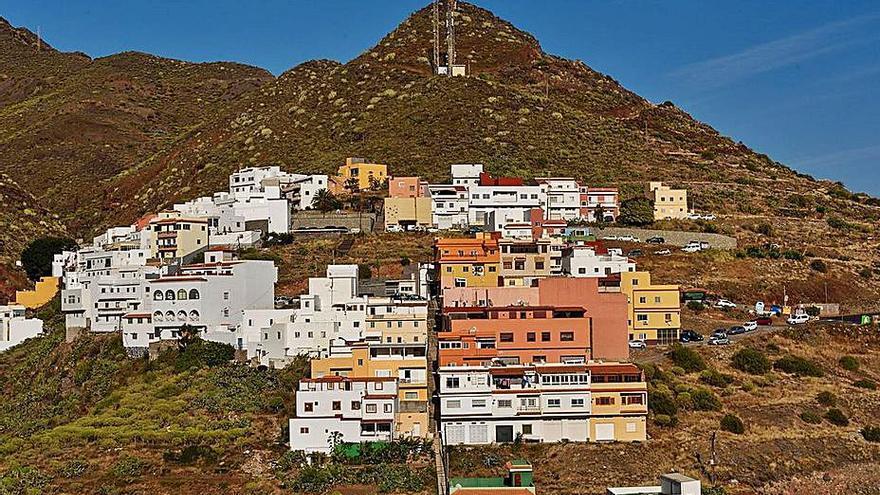 Sale a concurso la vía de acceso a las casas de la parte alta de El Suculum