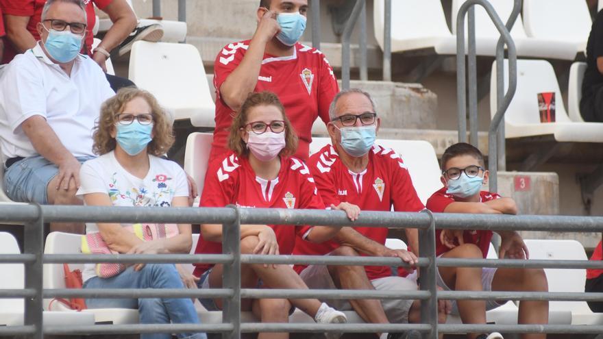 Los abonados del Real Murcia podrán acudir al estadio sin tener que reservar su localidad