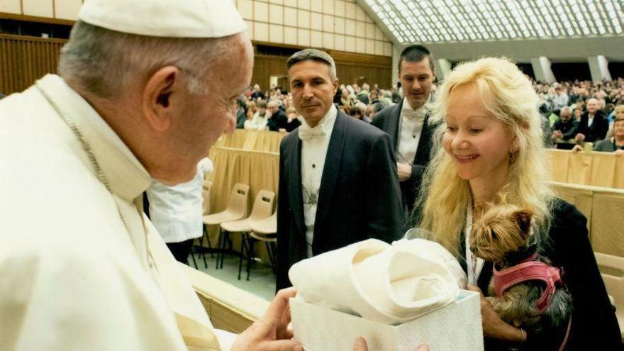 Una estola para el Papa