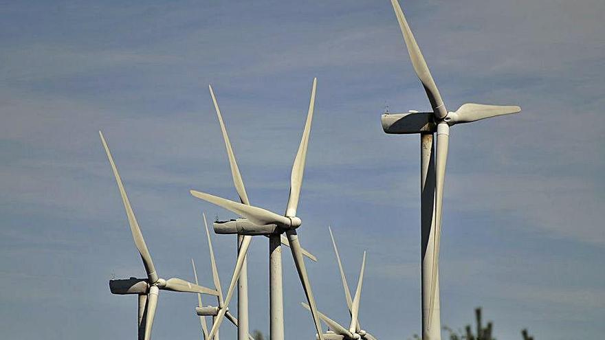 Exponen la red de evacuación de dos parques eólicos en Rodeiro