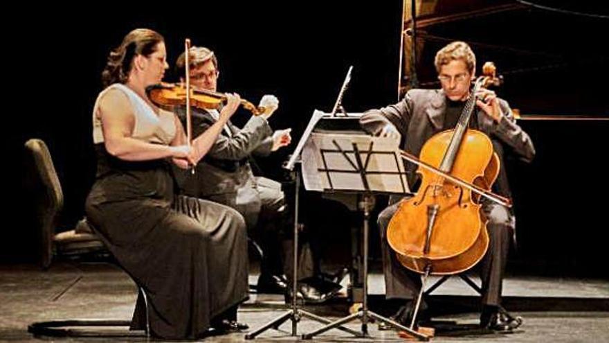 Trío Arbós, durante una actuación.