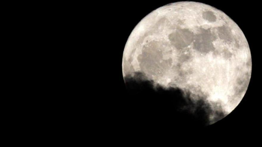 Esta noche brillará la superluna en Canarias